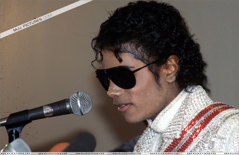 1984- Victory Tour Press Conference 00123