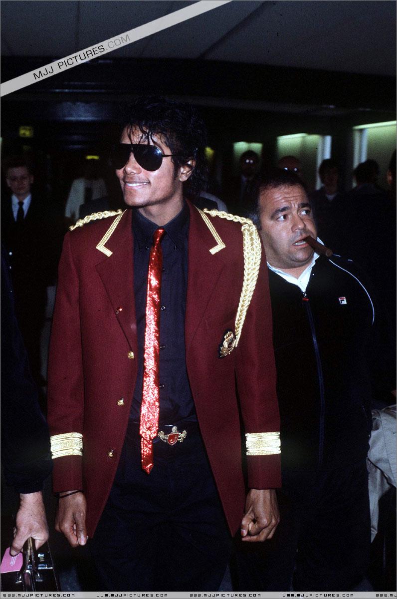1985- Michael Arrives In London 00136
