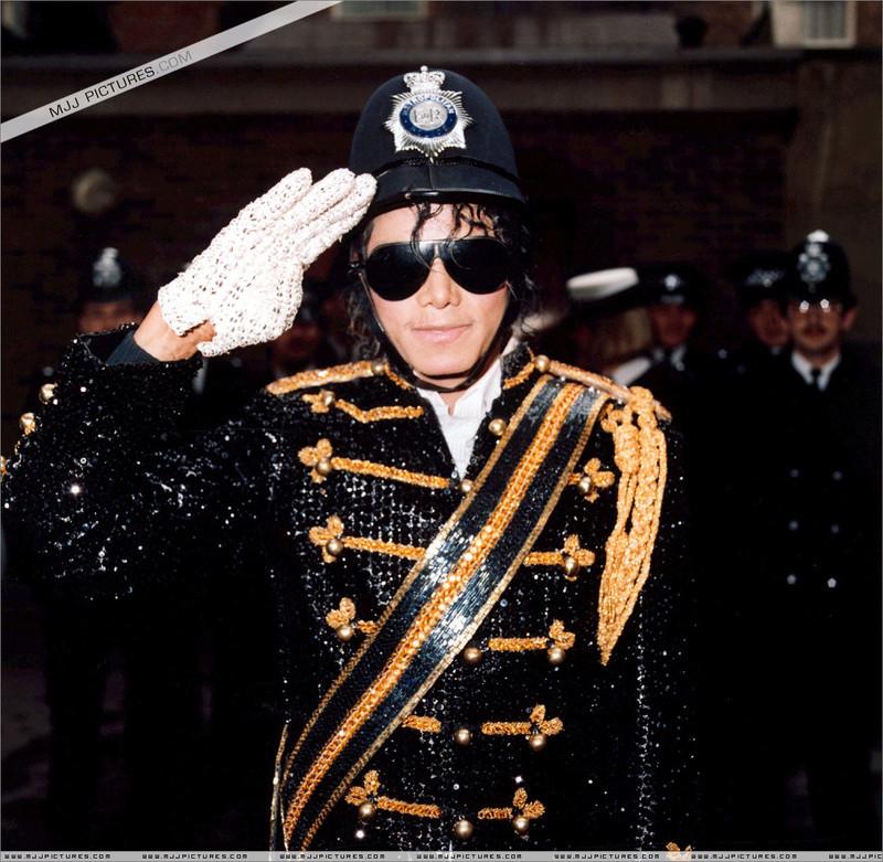 1985- Michael Visits Marylebone Police Station 00139