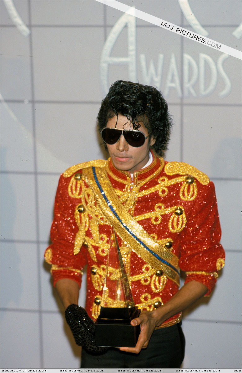1984- The 11th American Music Awards 00153