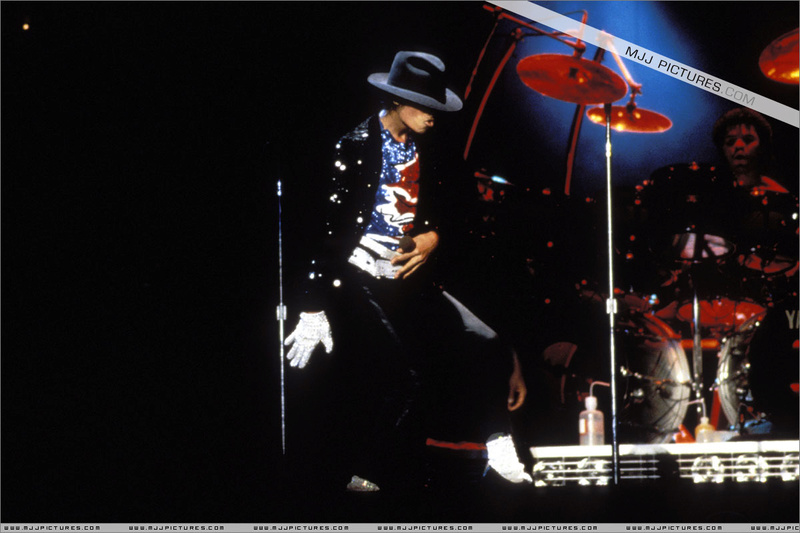 Victory Tour 00174
