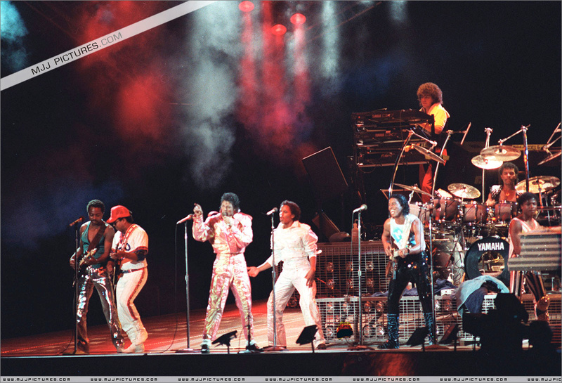 Victory Tour 00177