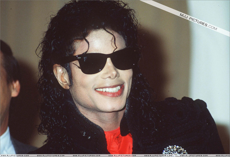 1990- CBS Records Top Selling Artist Of The Decade 00195