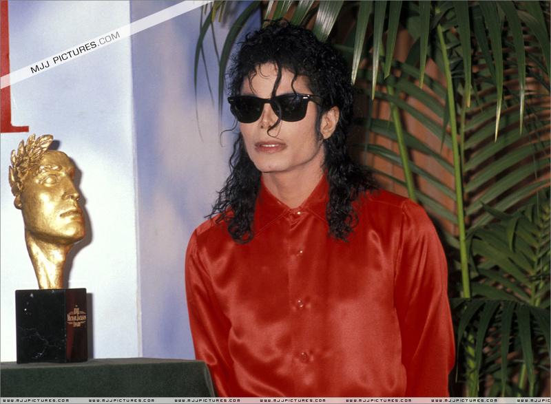 1990- The BMI Michael Jackson Award 00197