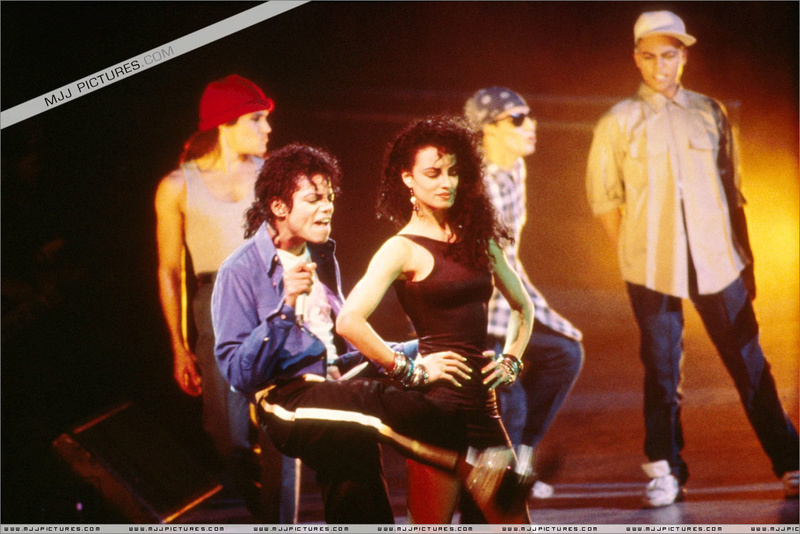 Bad World Tour Onstage- The Way You Make Me Feel 002103