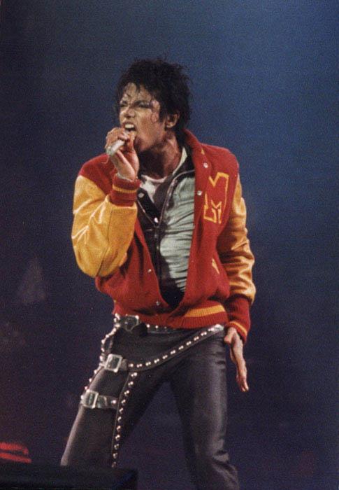 Bad World Tour Onstage- Thriller 002104