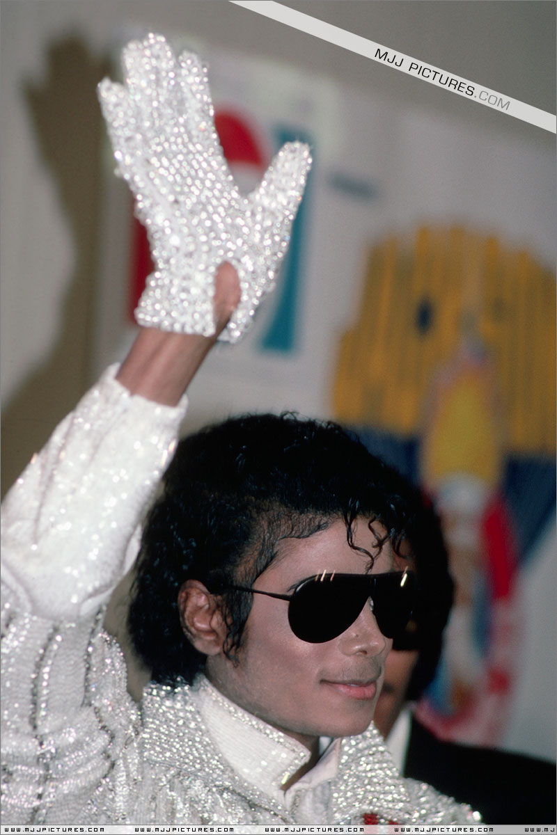 1984- Victory Tour Press Conference 00224