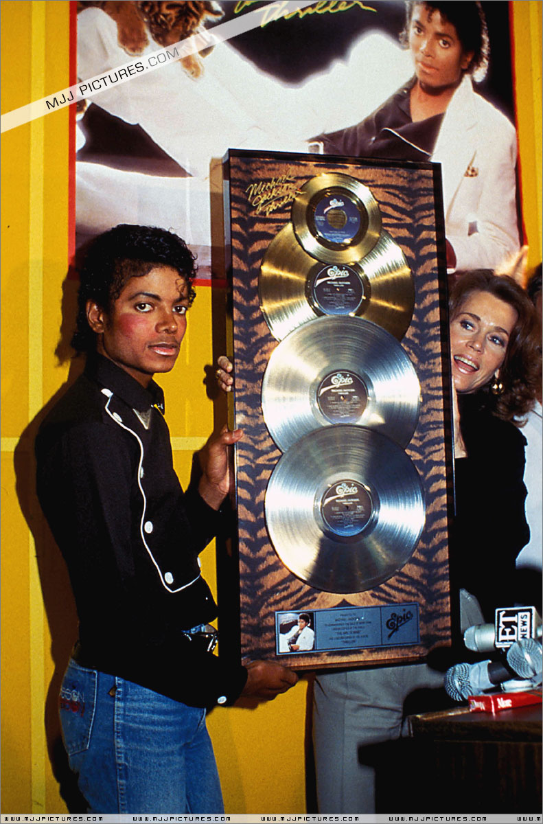 1983- Platinium Certification for Thriller 00250