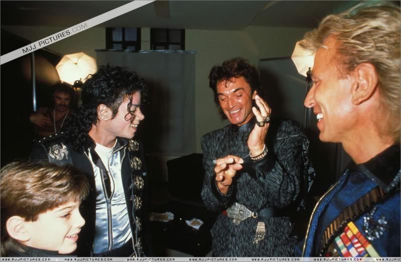 Bad World Tour Offstage 1988- Meeting Siegfried & Roy 003-8310