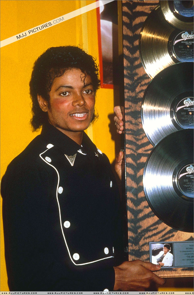 1983- Platinium Certification for Thriller 00348