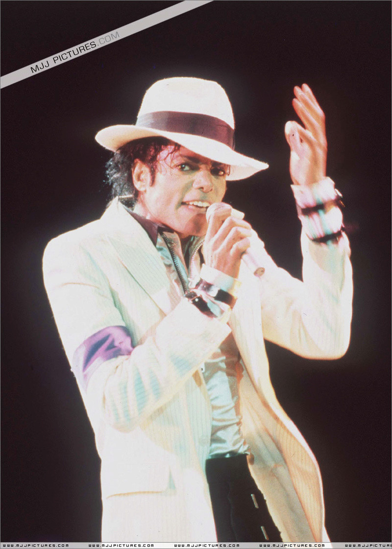 Bad World Tour Onstage- Smooth Criminal 00396