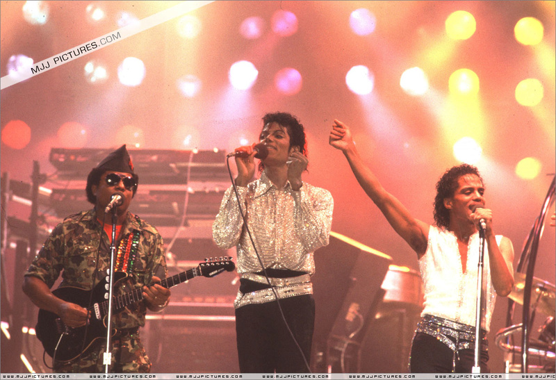 Victory Tour 00468