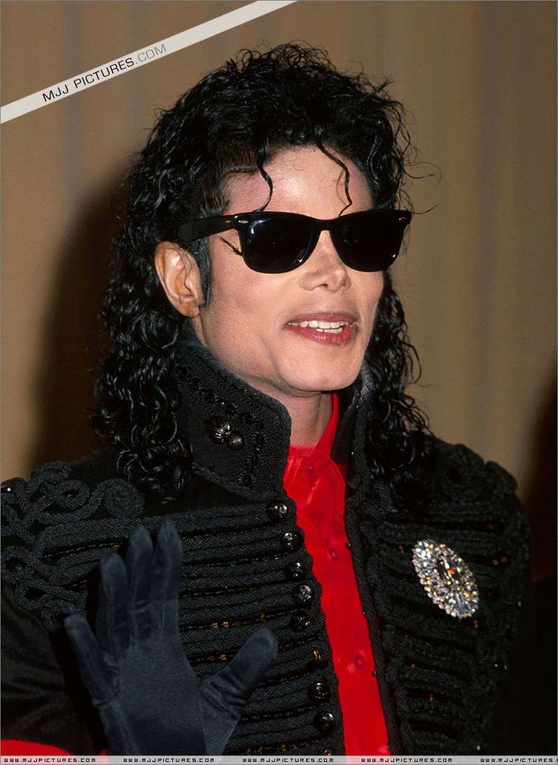 1990- CBS Records Top Selling Artist Of The Decade 00484