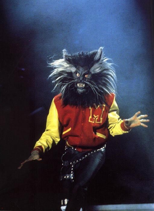 Bad World Tour Onstage- Thriller 00492