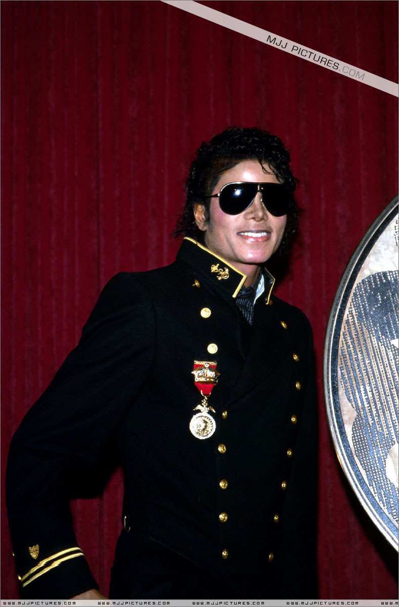 1984- The Michael Jackson Burn Center 00521