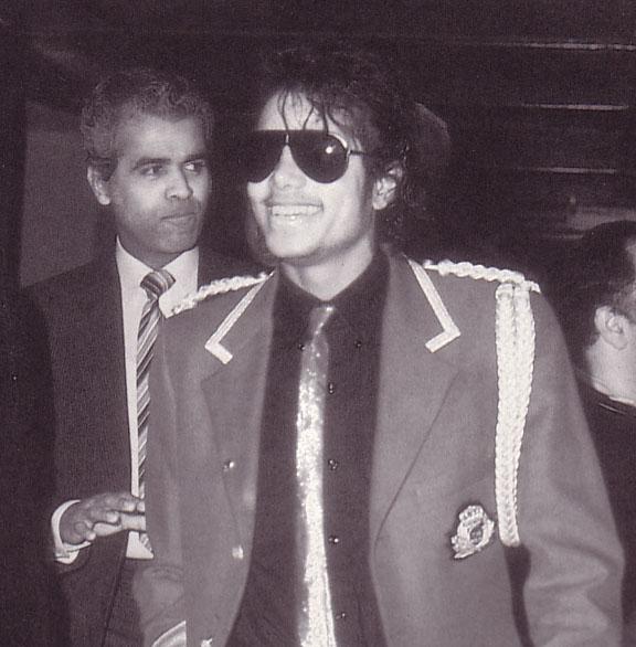 1985- Michael Arrives In London 00529