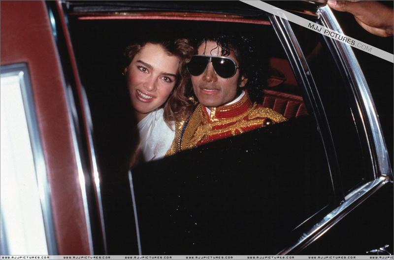 1984- The 11th American Music Awards 00539