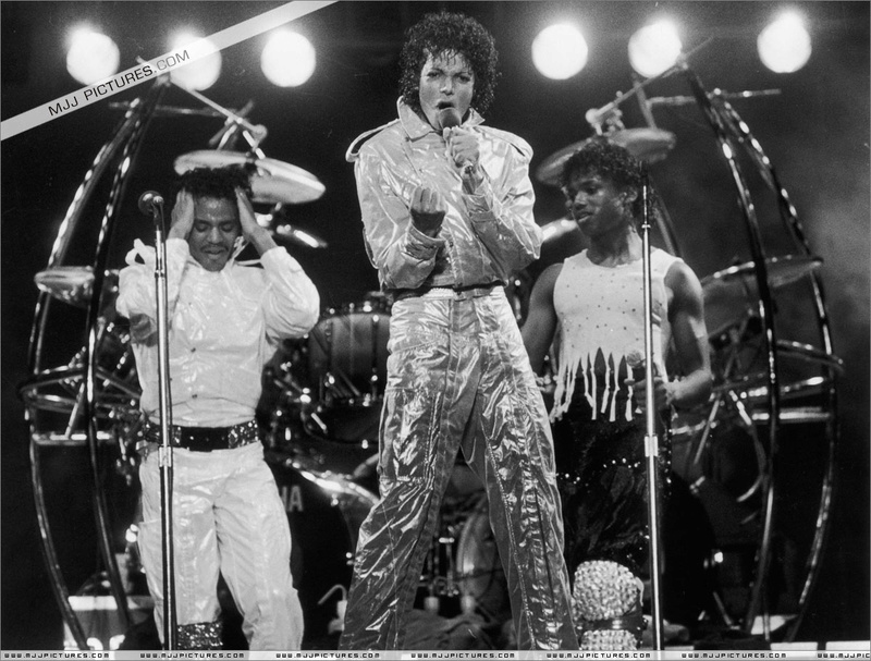 Victory Tour 00556