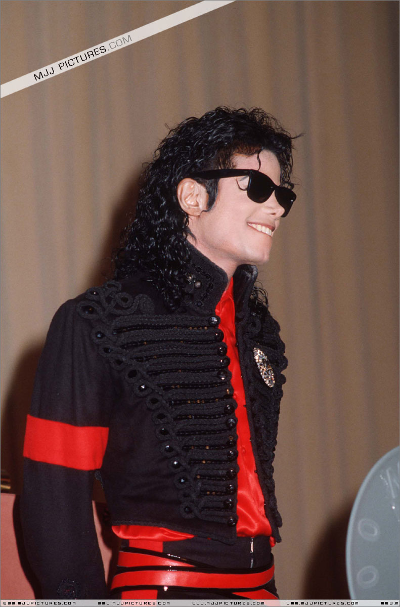 1990- CBS Records Top Selling Artist Of The Decade 00572