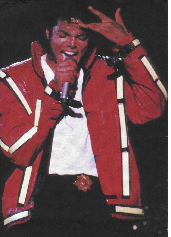 Bad World Tour Onstage- Thriller 00580