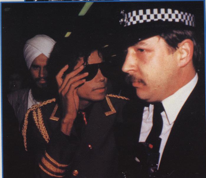 1985- Michael Arrives In London 00623