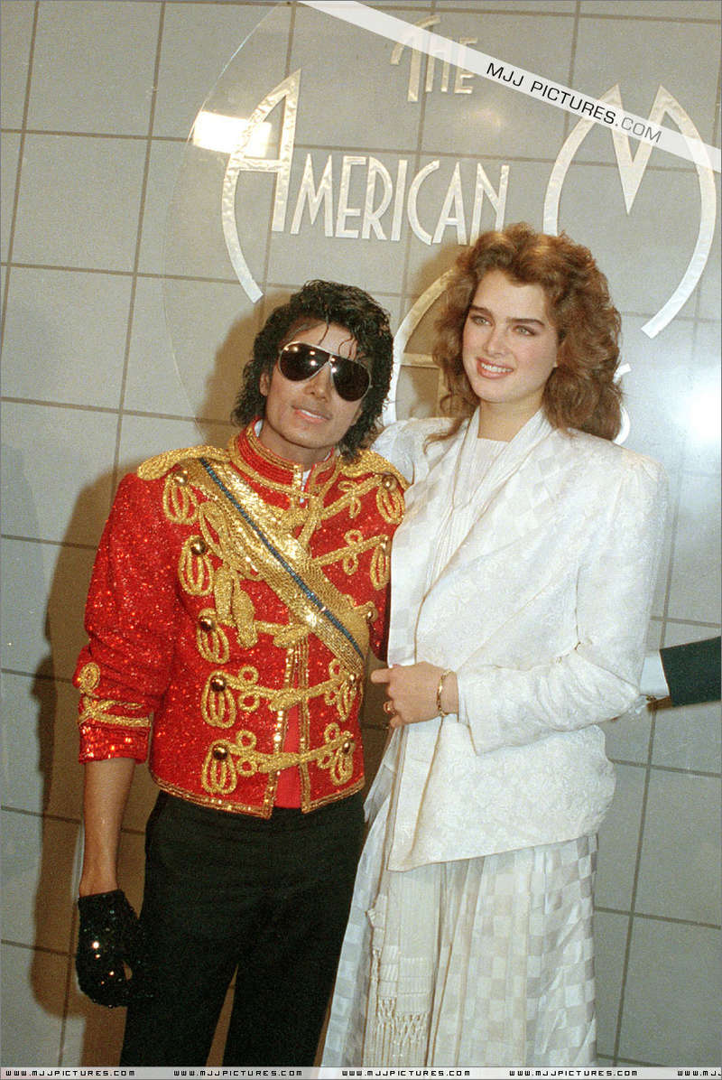 1984- The 11th American Music Awards 00634