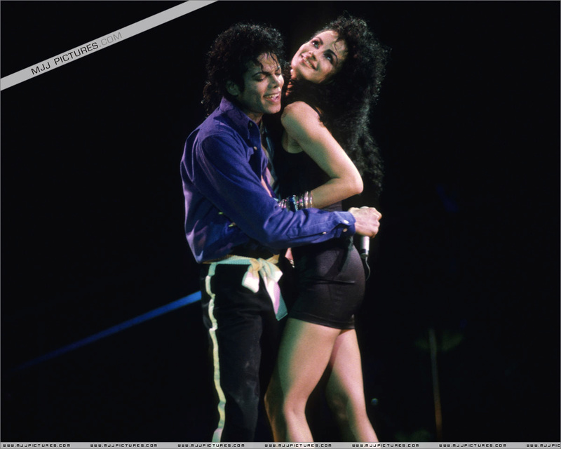 Bad World Tour Onstage- The Way You Make Me Feel 00674
