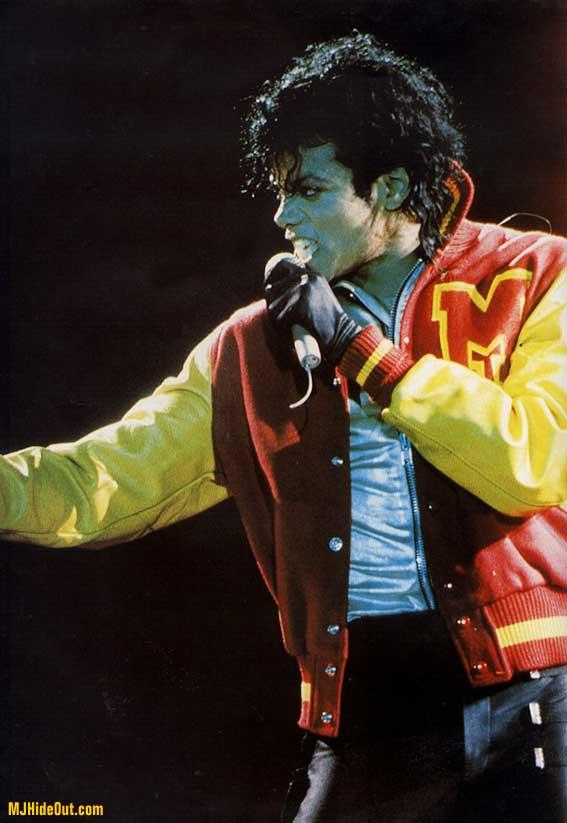 Bad World Tour Onstage- Thriller 00675