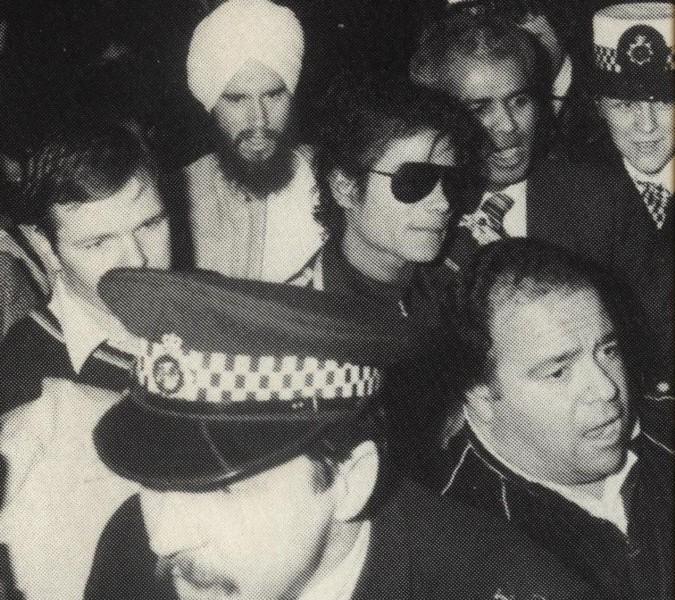 1985- Michael Arrives In London 00722