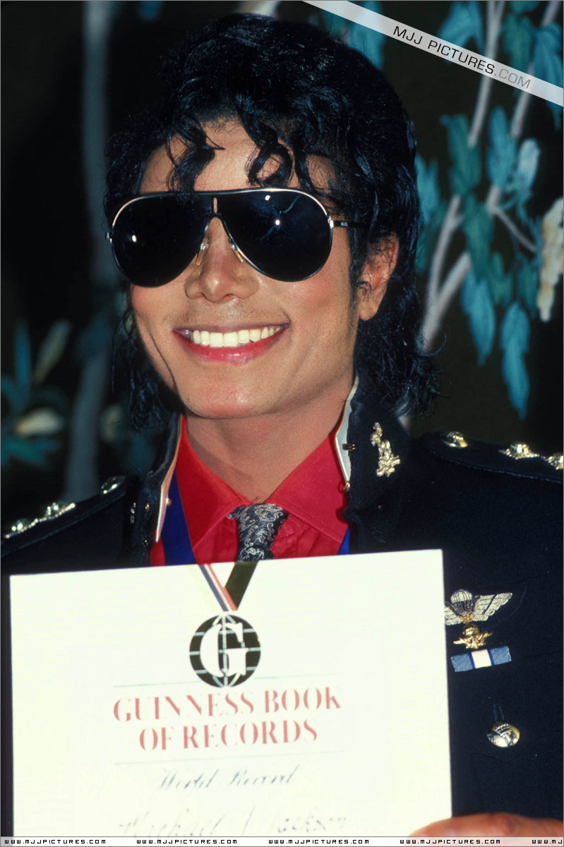 1986- Guinness Book Of World Records May 6, 1986 00739