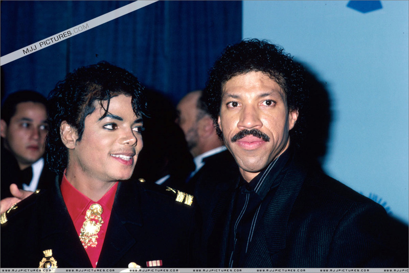 1986- The 28th Grammy Awards 00741