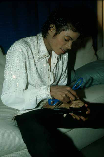 Victory Tour Backstage 00746