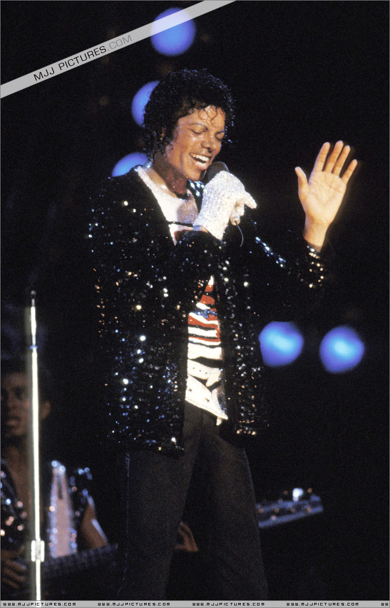 Victory Tour 00749