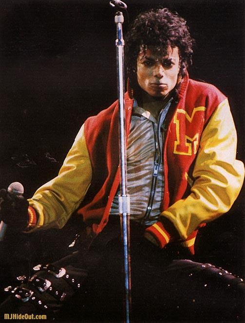 Bad World Tour Onstage- Thriller 00772