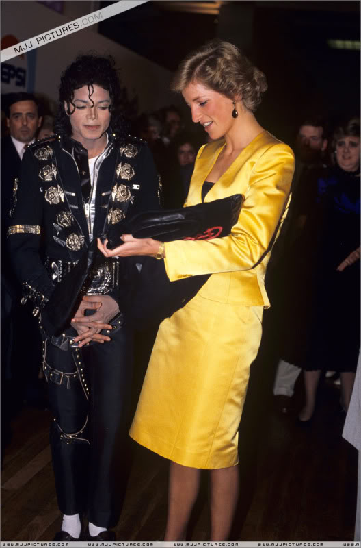 Bad World Tour Offstage 1988- Meeting Princess Diana & Prince Charles 008-6011