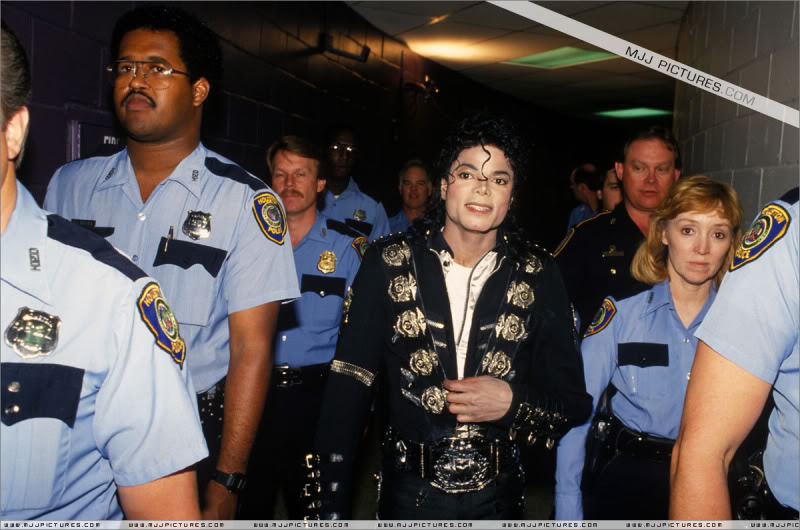 Bad World Tour Offstage 1989- Miscellaneous 008-6110