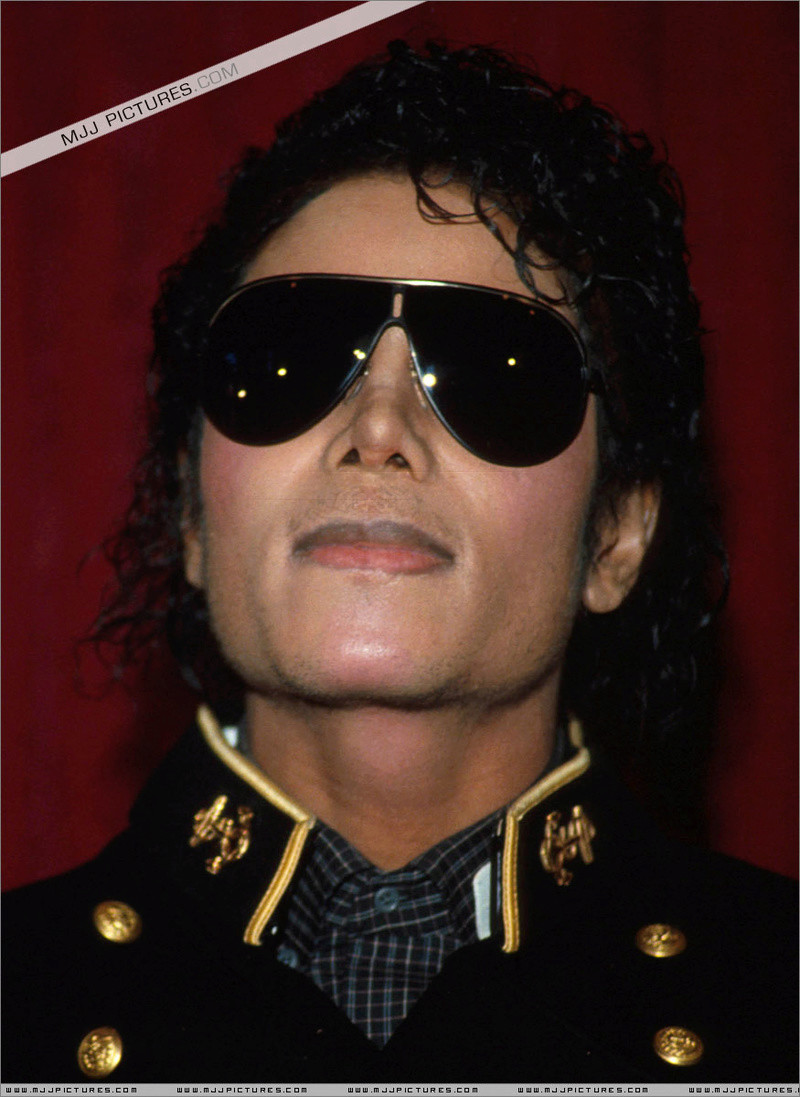 1984- The Michael Jackson Burn Center 00818