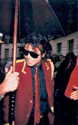 1985- Michael Arrives In London 00822