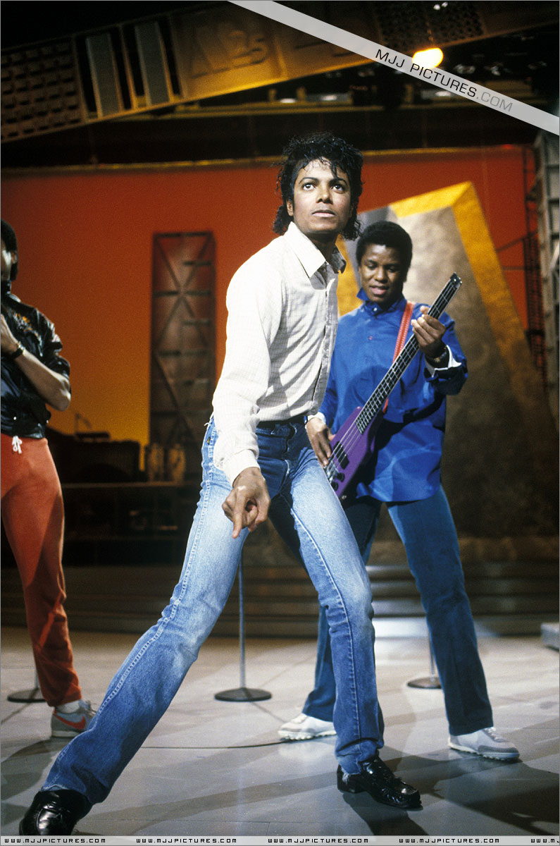 1983- Motown 25 Yesterday, Today, & Forever 00827
