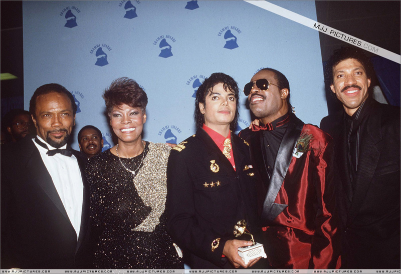 1986- The 28th Grammy Awards 00840