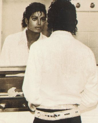 Victory Tour Backstage 00845