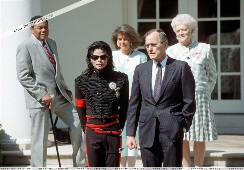 1990- White House Visit 00859