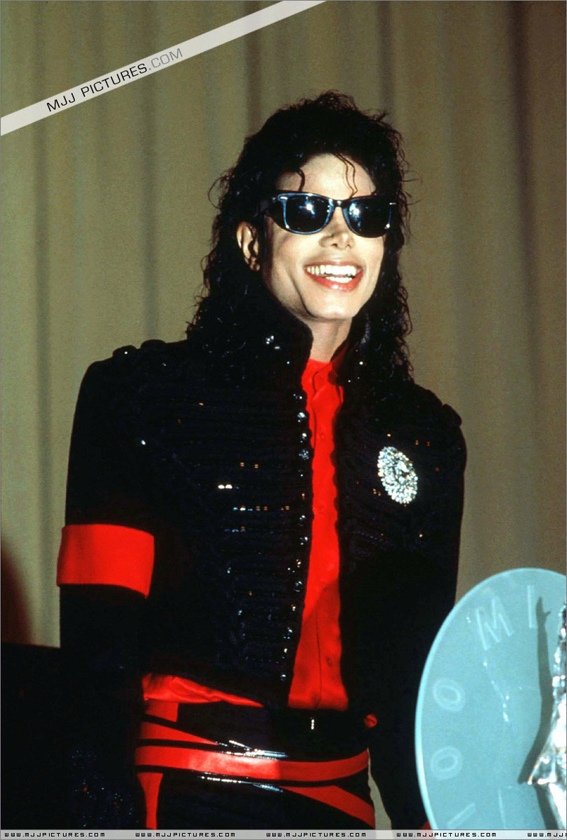 1990- CBS Records Top Selling Artist Of The Decade 00860