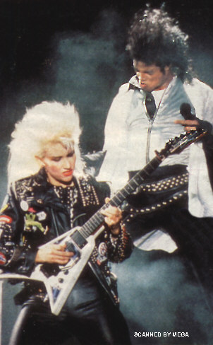 Bad World Tour Onstage- Dirty Diana 00865