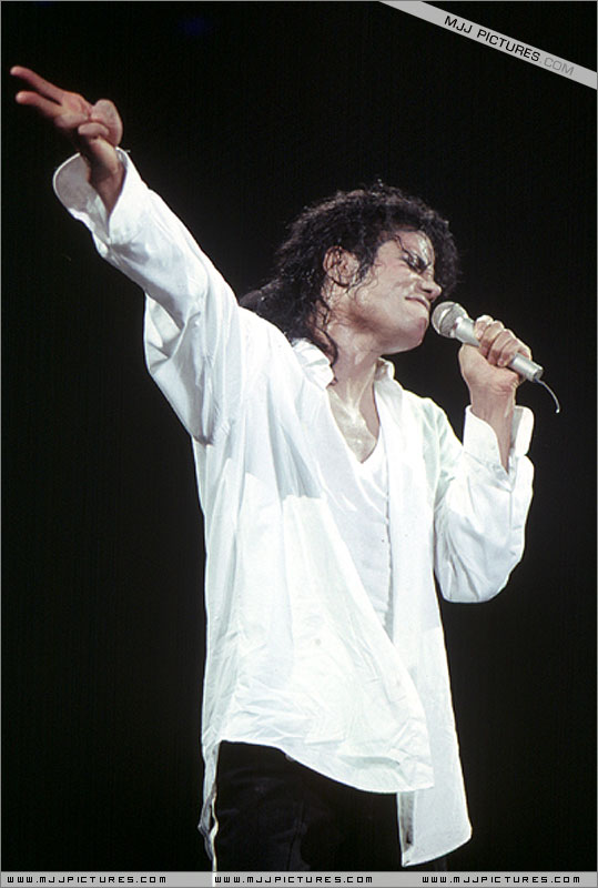 Bad World Tour Onstage- Man In The Mirror 00866