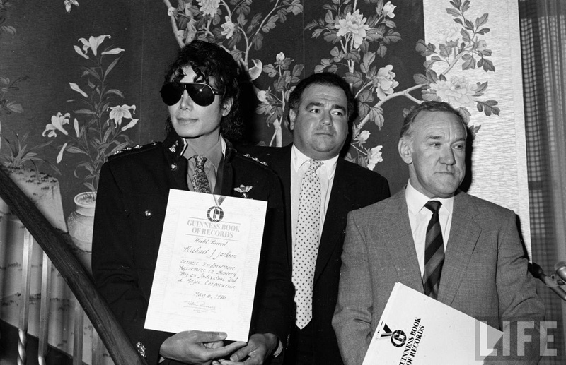 1986- Guinness Book Of World Records May 6, 1986 00936