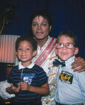 Victory Tour Backstage 00943