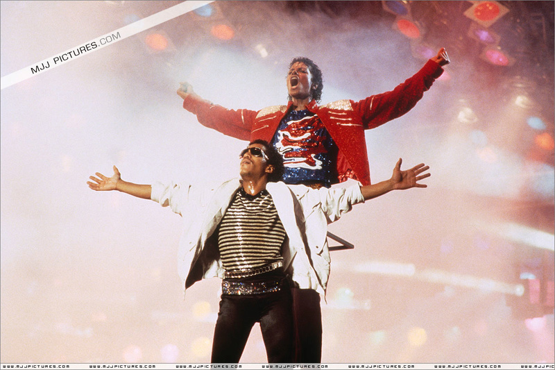 Victory Tour 00944