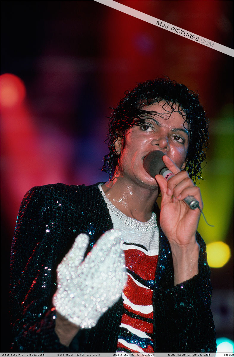 Victory Tour 00946