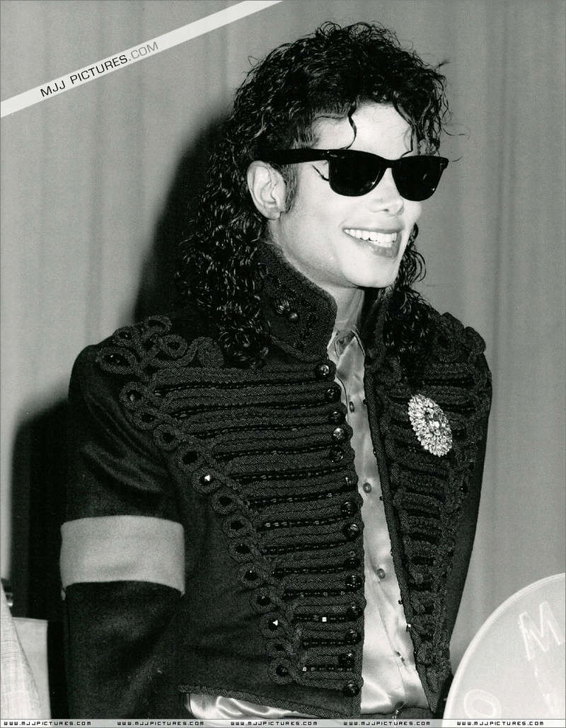 1990- CBS Records Top Selling Artist Of The Decade 00961